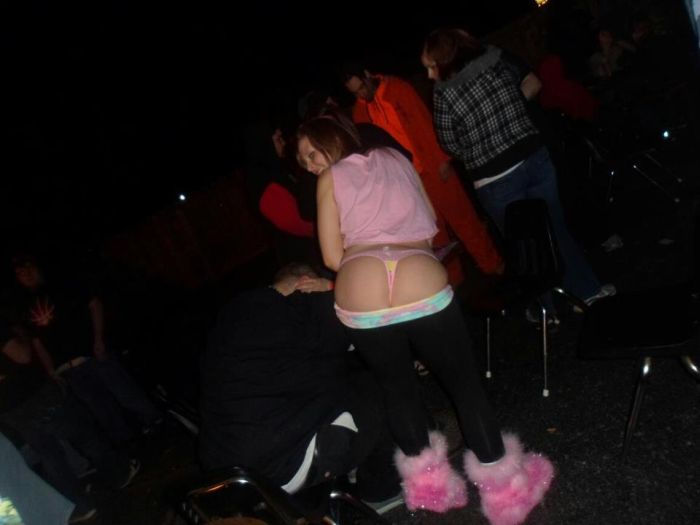 Passed Out Juggalos (36 pics)
