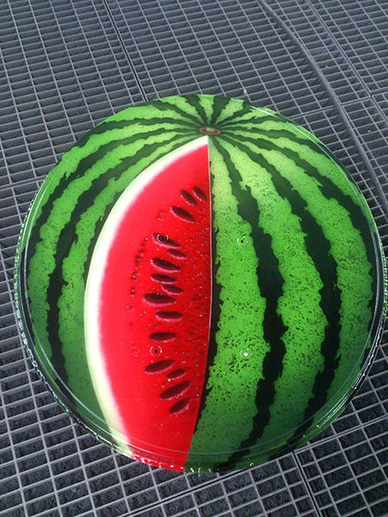How to Turn a Satellite Dish into a Watermelon (7 pics)