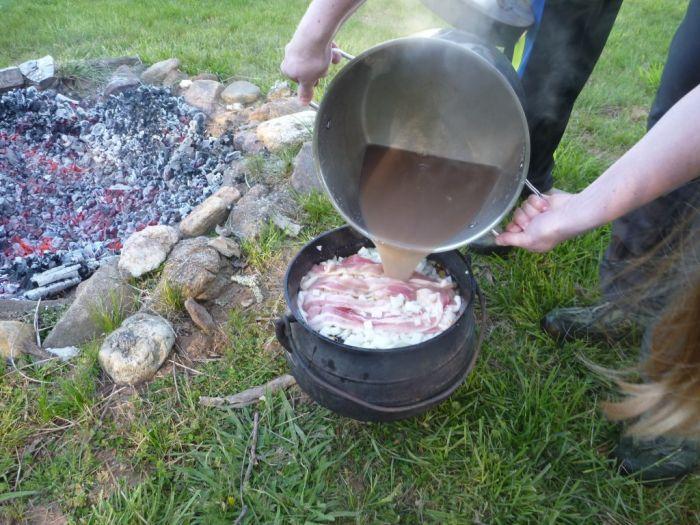 Bean Hole Beans - A Maine Tradition (21 pics)