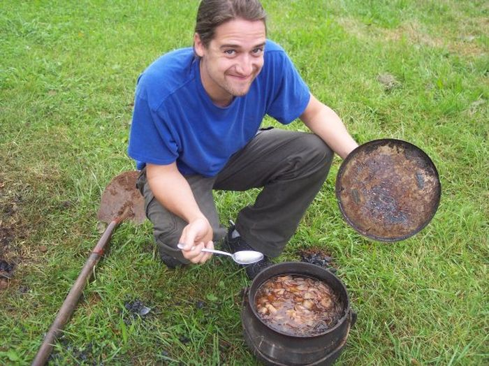 Bean Hole Beans - A Maine Tradition (21 pics)