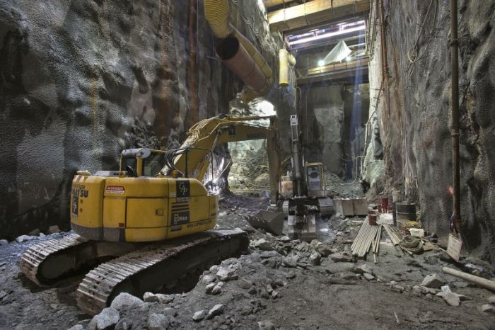 NYC Subway Building (21 pics)