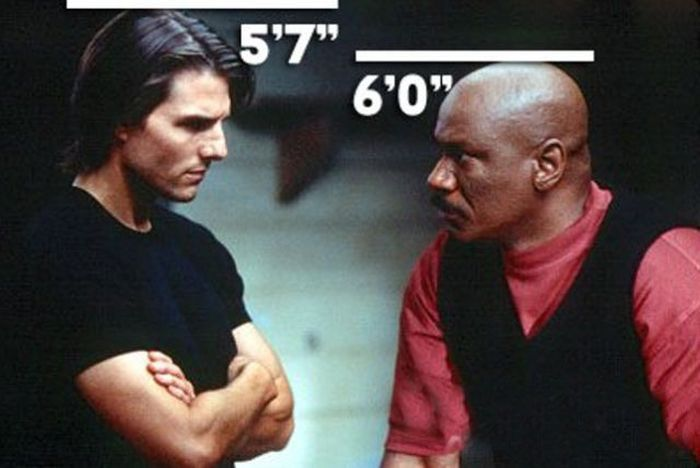 Putting Tom Cruise's Height in Perspective (7 pics)