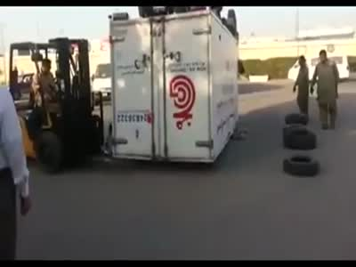 Stupid Way To Flip Over a Damaged Truck