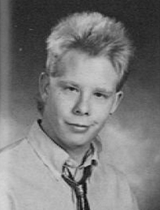 Awkward and Funny Yearbook Photos (97 pics)