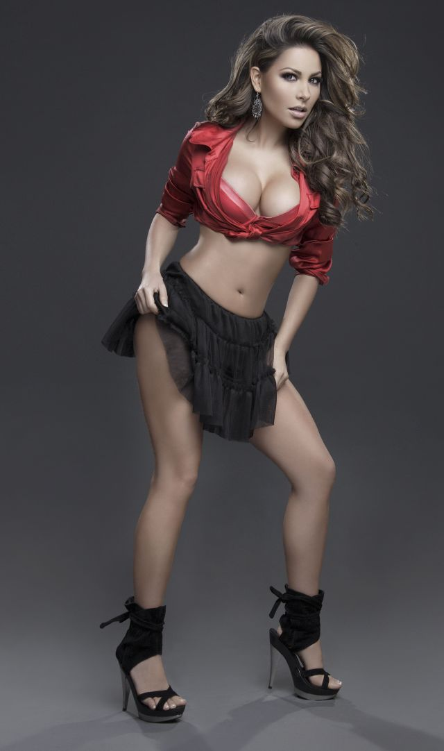 Sexy Mexican Girls (40 pics)