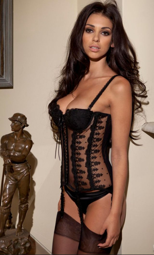 The Sexiest Women of 2013 According to FHM (100 pics)