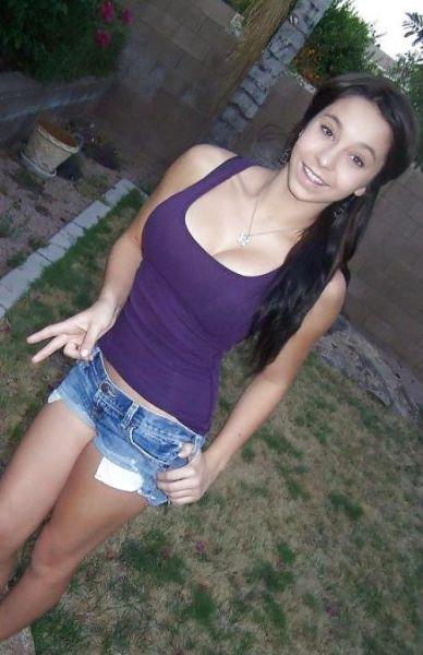 Hot Girls In Short Shorts 30 Pics-2051