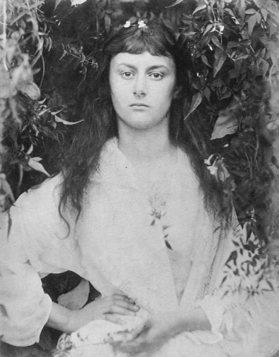 Photos of Alice Liddell (11 pics)