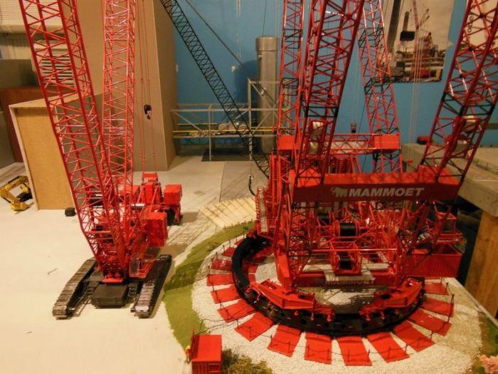 Crane Model (39 pics)