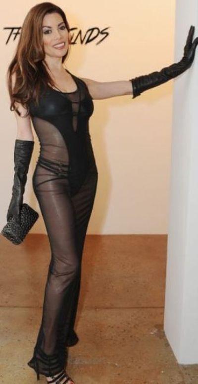 Victoria Beltran and Her Little Secret (5 pics)