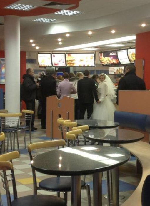 Seen at McDonald's (47 pics)