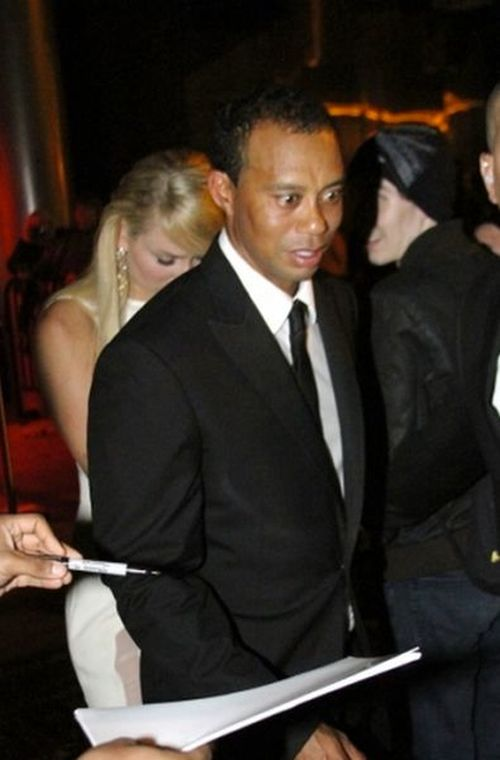 Tiger Woods Has a Funny Look (4 pics)