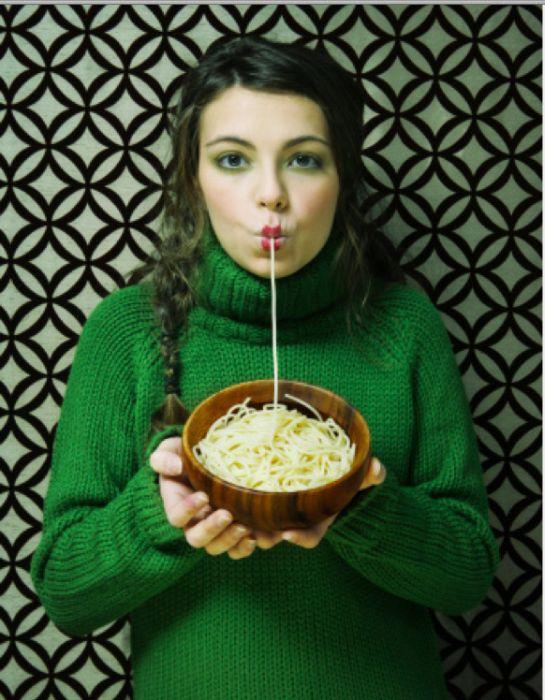 Women Eating Pasta Stock Photos (25 pics)