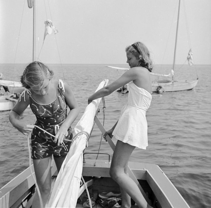 Teens: 1950s vs Today (28 pics)