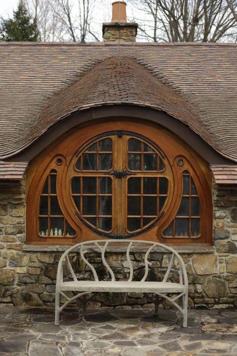 Hobbit House For Tolkien Fan (18 pics)