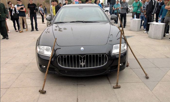 How to Destory a Maserati (9 pics)