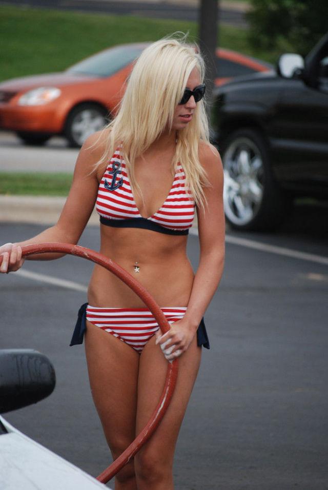Amateur Bikini Car Wash. Part 3 (69 pics)