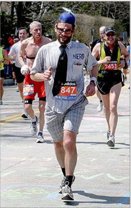 Really Bad Runner Costumes (40 pics)