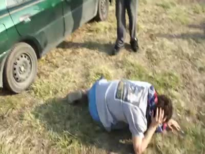 Idiot of The Week Trying to Break Car Glass With His Head