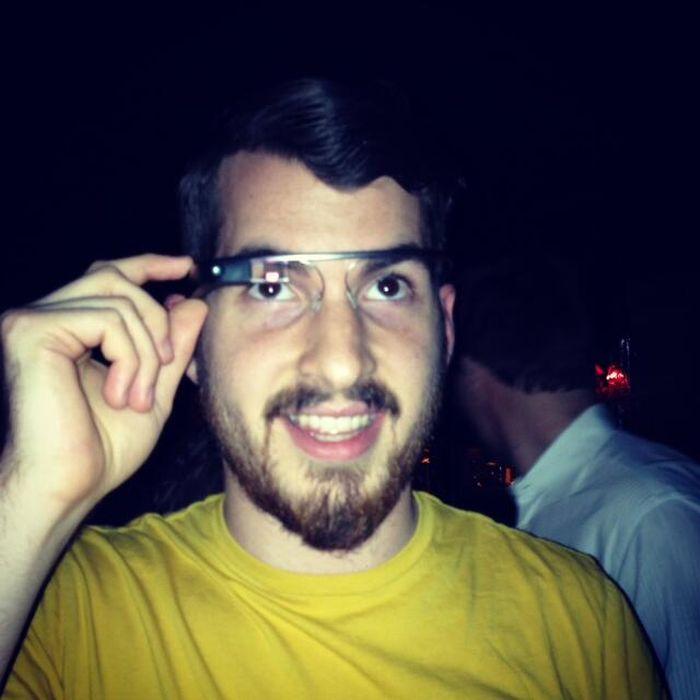 People Wearing Google Glass (40 pics)