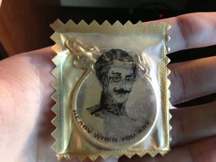 No Gentleman Should Ever Leave Home Without This Item (4 pics)