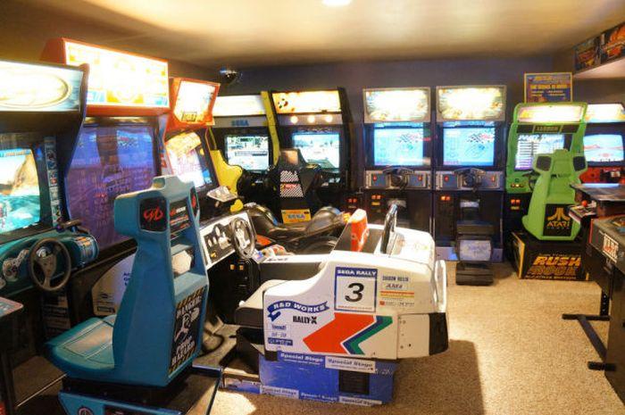 Arcade Basement (8 pics)