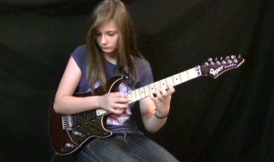14-Years-Old Girl Showing Incredible Guitar Skills