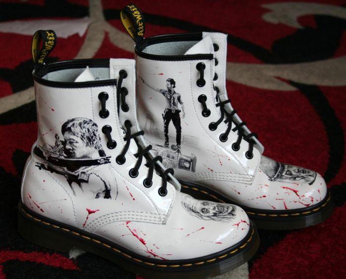 Walking Dead Boots (7 pics)