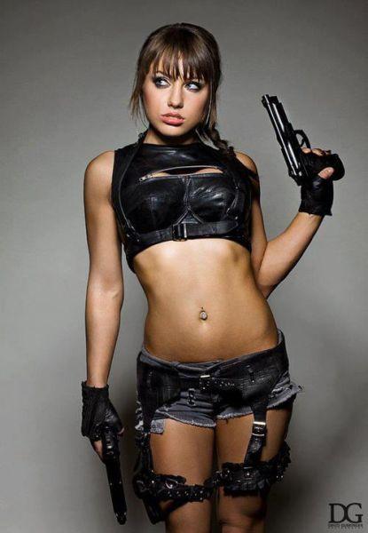 Girls with Guns Make a Perfect Match (39 pics)