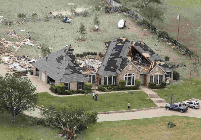 Moore After The Tornado (24 pics)