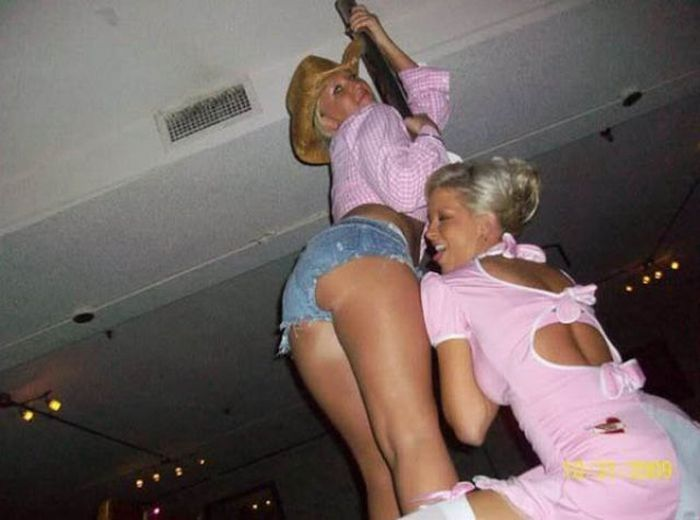 Τα κορίτσια έχουν τη διασκέδαση (45 pics)