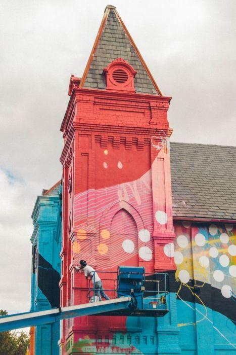 Graffiti Church (17 pics)