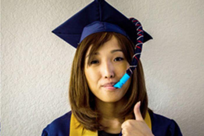 Graduation Cap with a Secret (5 pics)