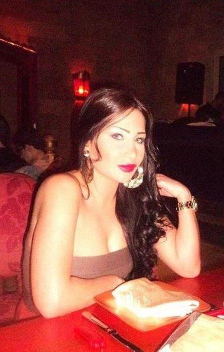 Facebook Photos of Arab Girls (26 pics)