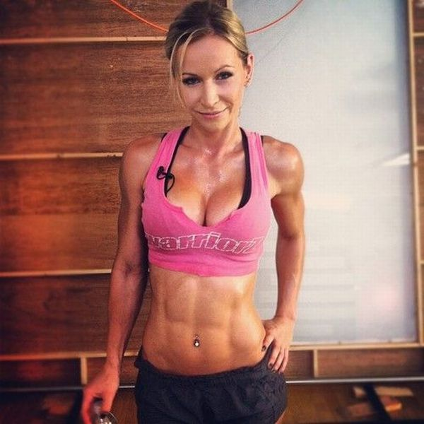 Girls with Very Fit Bodies. Part 4 (60 pics)