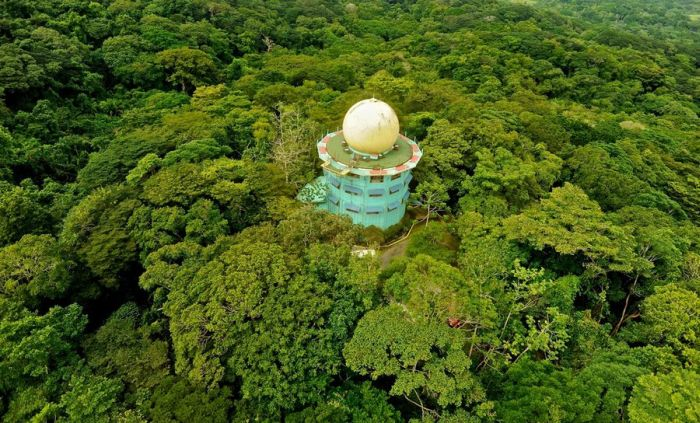 Canopy Tower Hotel in Panama (14 pics)