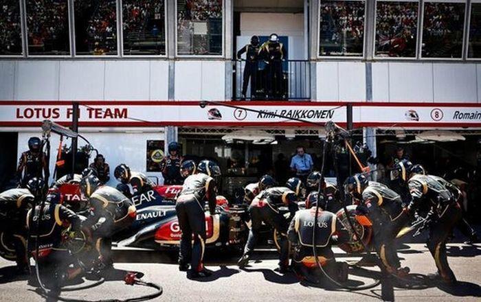 Daft Punk at the Monaco Grand Prix (8 pics)