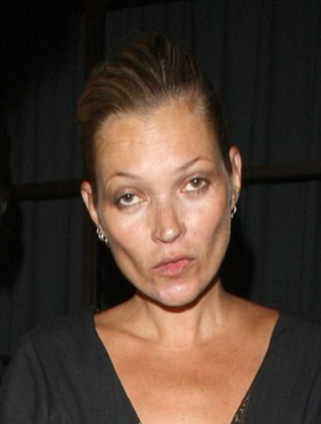 Kate Moss Aging Timeline (22 pics)