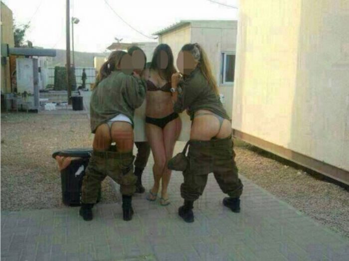 Hot Photos of Israeli Army Girls (2 pics)