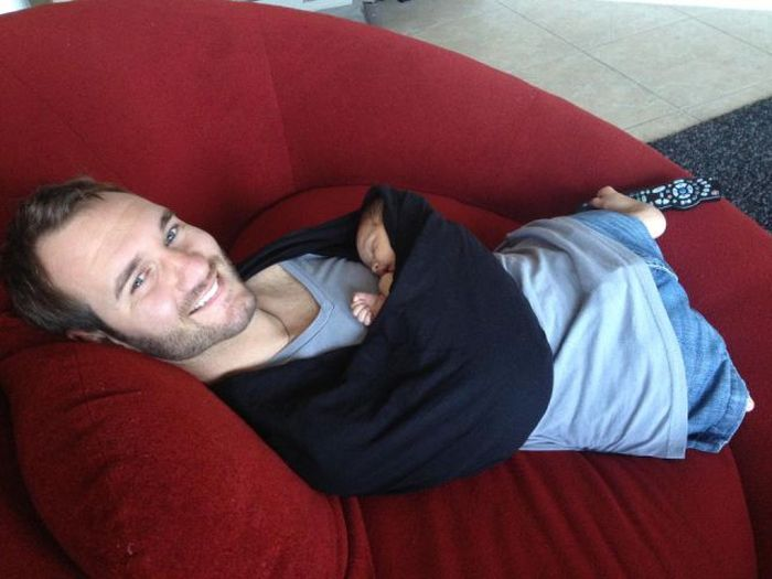 Nick Vujicic Is Now Father (11 pics)