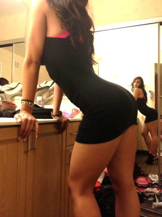 When a Girl Bends (40 pics)