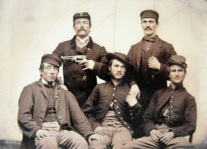 Strange Civil War Photo (4 pics)