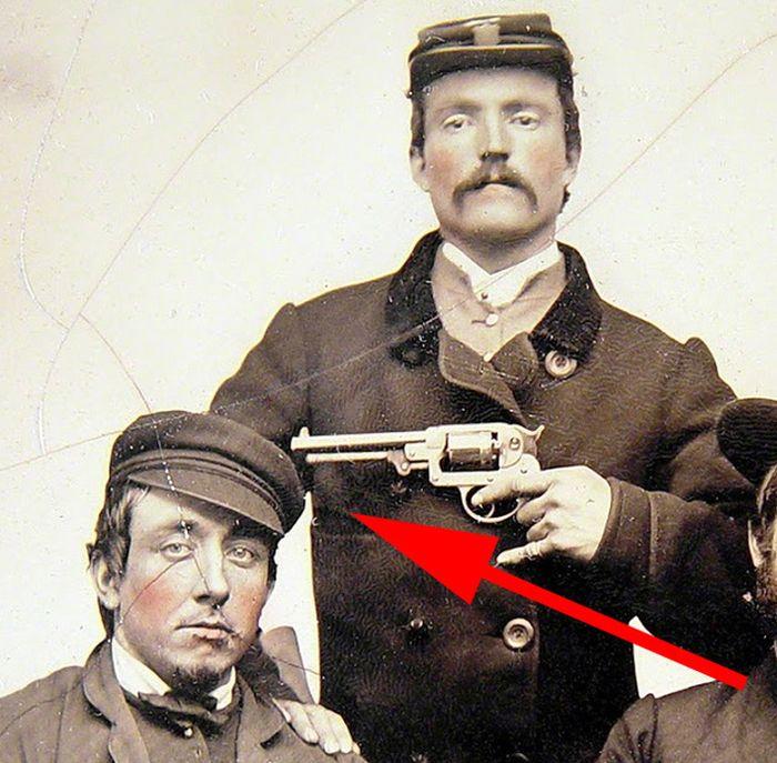 Strange Civil War Photo (4 pics)