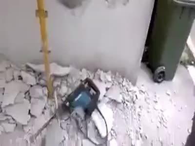 Stupid Russian Construction Worker Fail