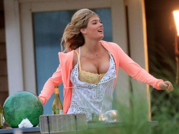 Kate Upton's Boobs Jumping Out (10 pics)