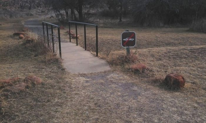 Very Strange Signs (22 pics)