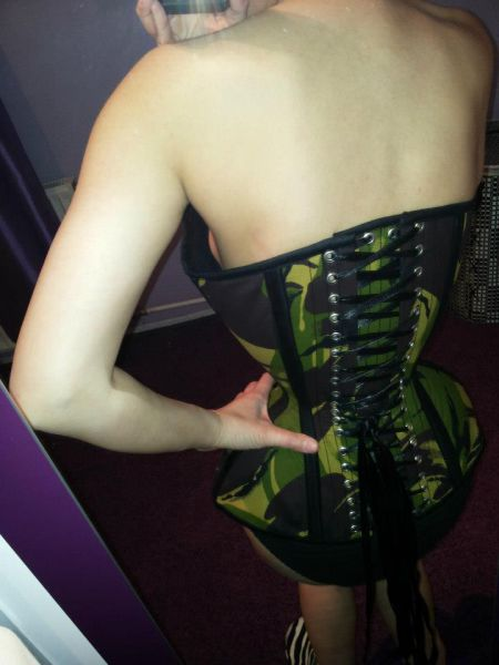 Wearing Corset for Three Years (32 pics)