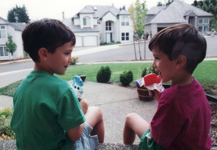 Brothers Then and Now (16 pics)