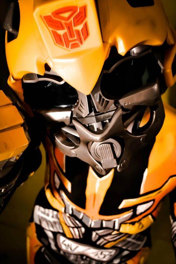 Body Paint Bumblebee (11 pics)