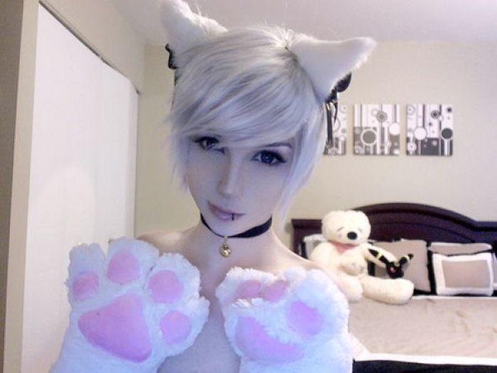 Cute Girl? (12 pics)